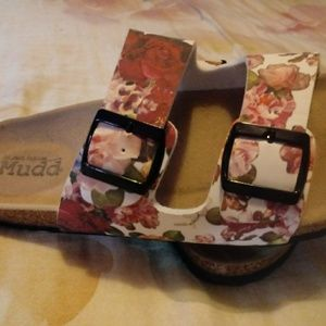 Nwot cute sandals size 9